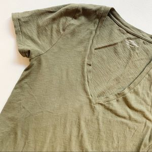 J. CREW Green Vintage Cotton Vneck Tee Medium